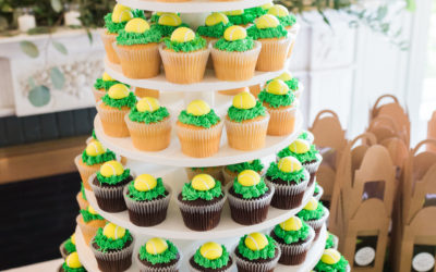 Gretchen & Eric's Wedding Cake and Tennis Cupcakes