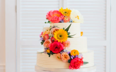 Erica & James Beautiful Fresh Flower Wedding Cake