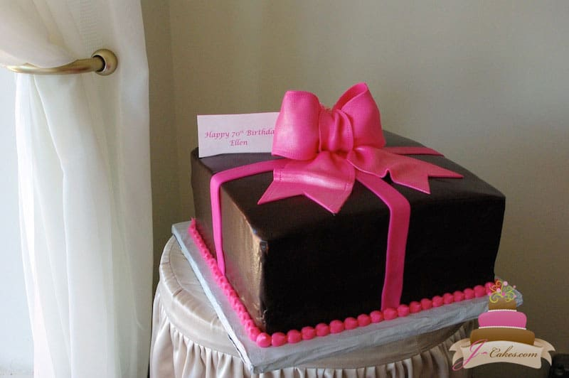 (127) Gift Box Birthday Cake