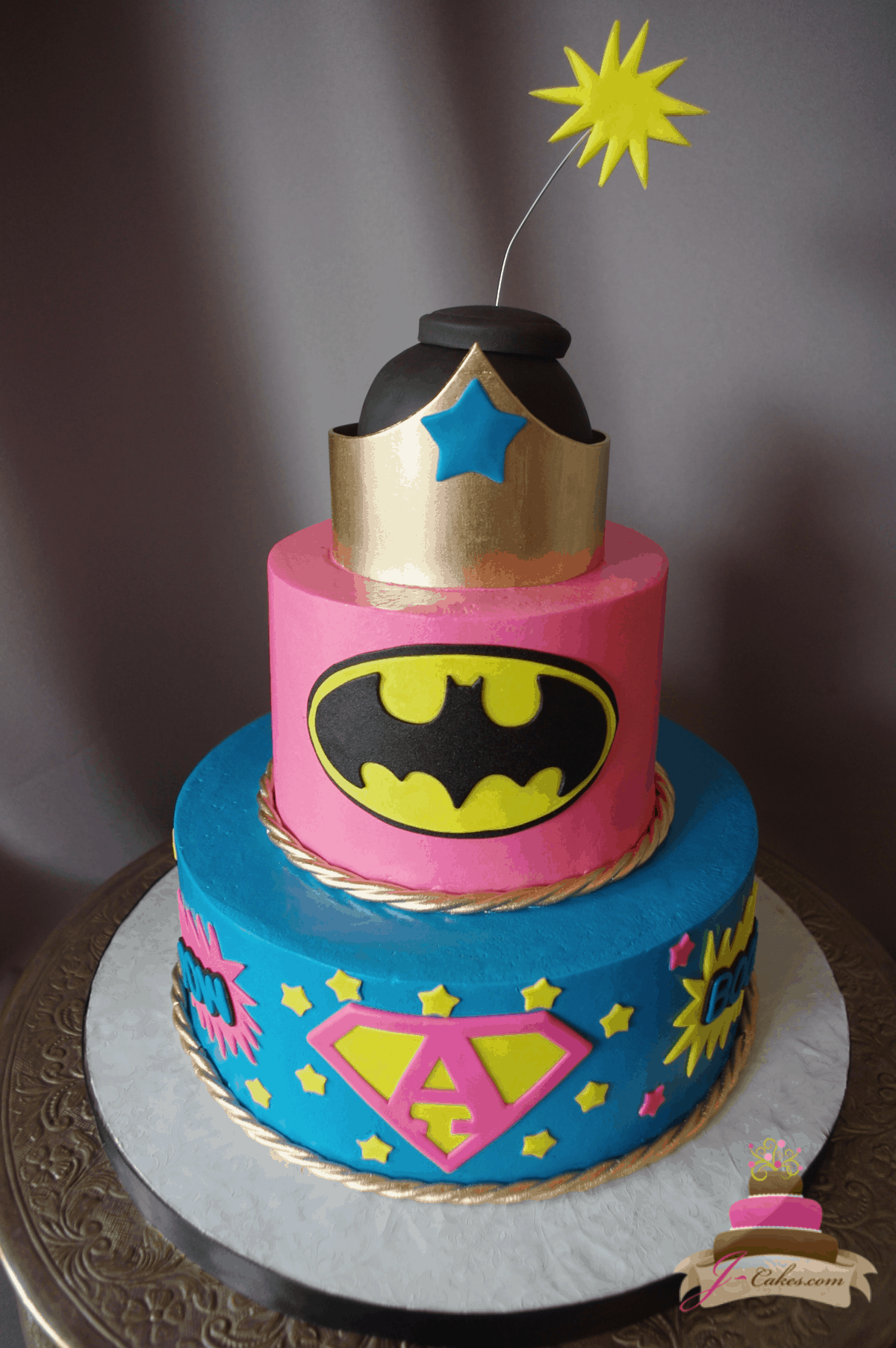 (554) Superhero Tiered Cake