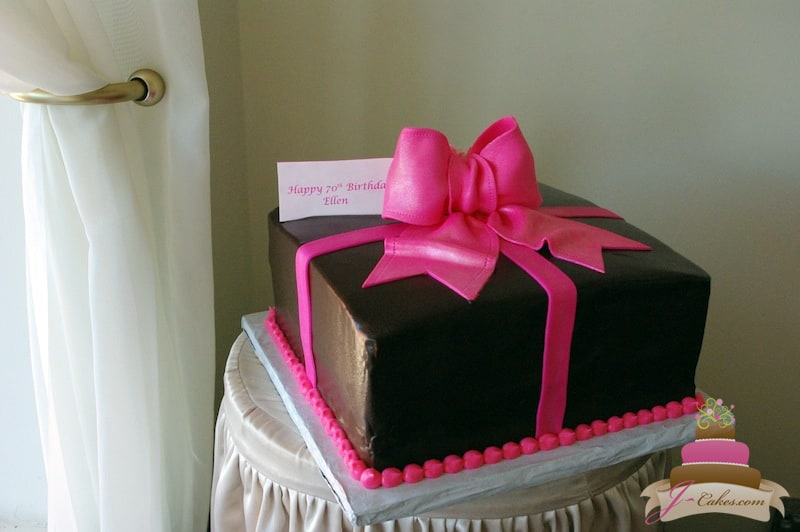 (436) Gift Box Birthday Cake