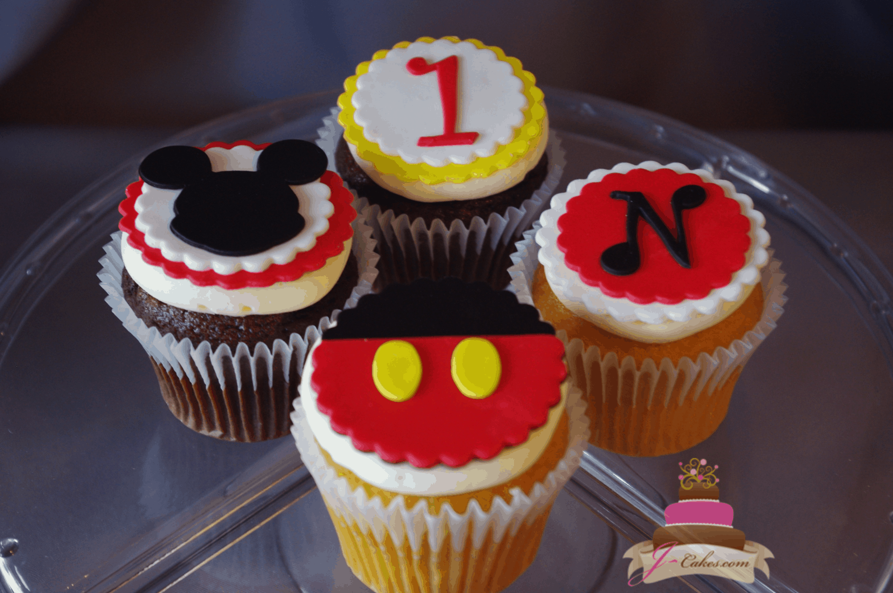 (654) Mickey Cupcakes