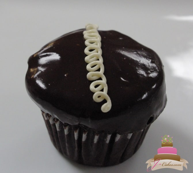 "(605) ""Hostess"" Cupcake"