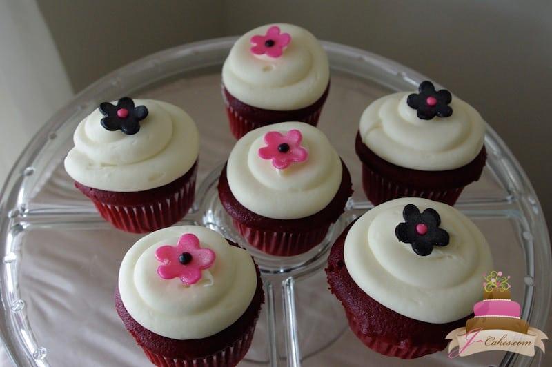 (612) Fondant Flower Cupcakes