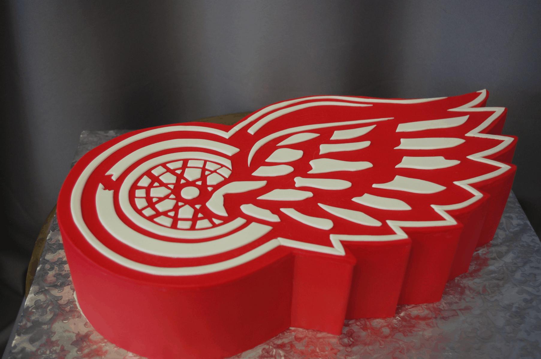 (734)  Red Wings Logo Cake