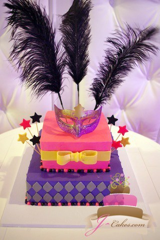 (921) Pink and Purple Masquerade Sweet 16 Cake