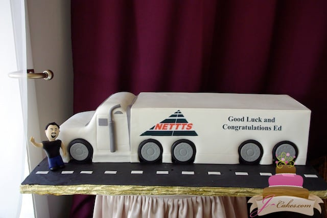 (822) Tractor Trailer Shaped Cake