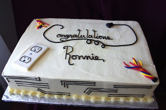 (830) Electrical School Graduation Cake