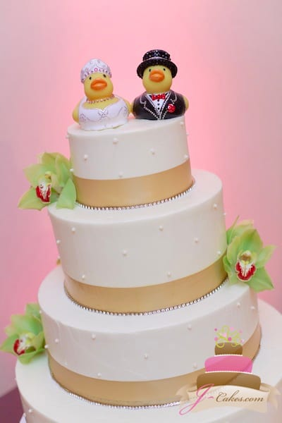 (1122) Gold Ribbon Dot Wedding Cake