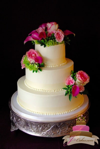 (1141) Simple Wedding Cake with Ivory Ribbon