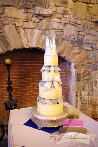 (1125) Wedding Cake with Separated Tiers