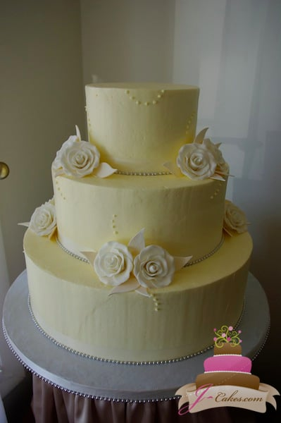 (1092) Wedding Cake with Sugar Rose Clusters