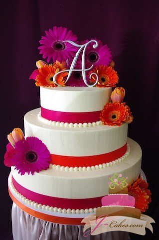 (1025) Gerber Daisy Wedding Cake