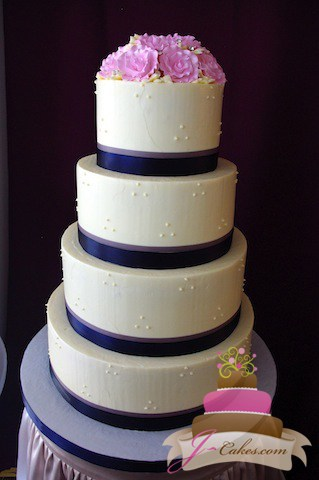 (1026) Piped Dot Wedding Cake with Sugar Flowers