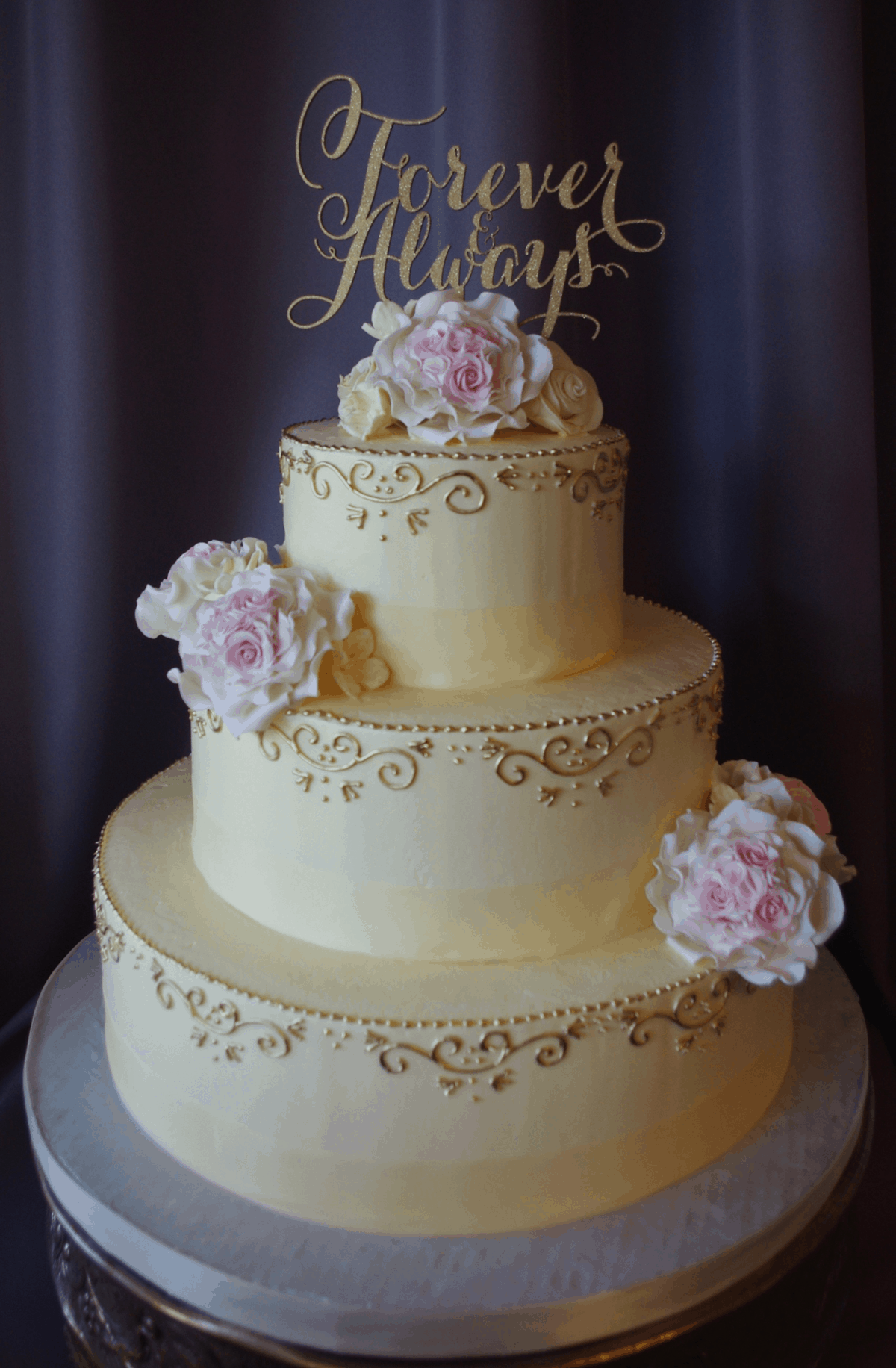 (1169) Wedding Cake with Gold Scrolls and Sugar Flowers