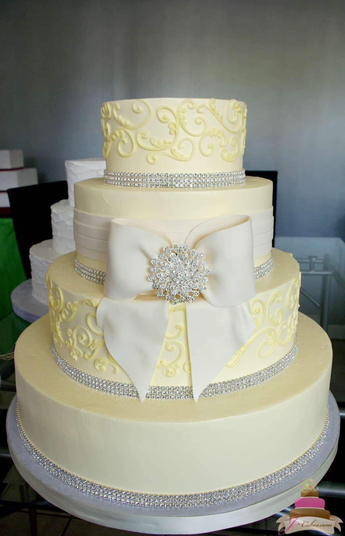 (1149) Fondant Bow and Bling Wedding Cake