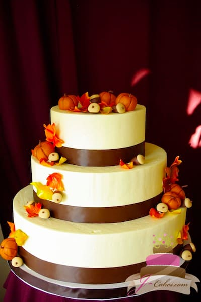 (1114) Autumn Theme Wedding Cake with Pumpkins and Acorns