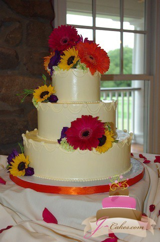 (1070) Piped Swag Wedding Cake
